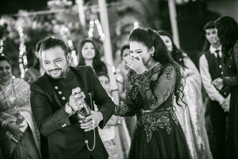 candid wedding photos-21
