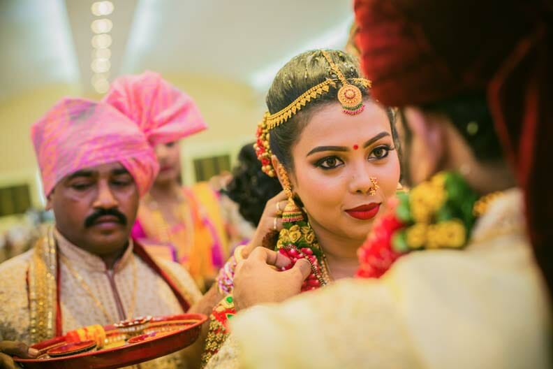 candid wedding photos-8