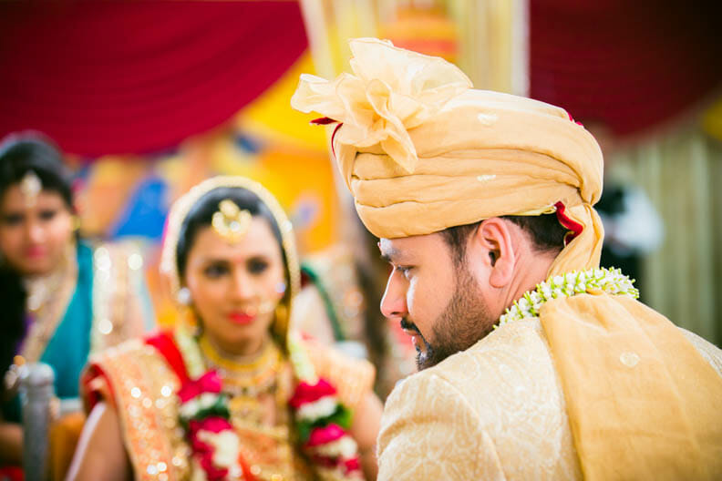 top-10-candid-wedding-photographers-9